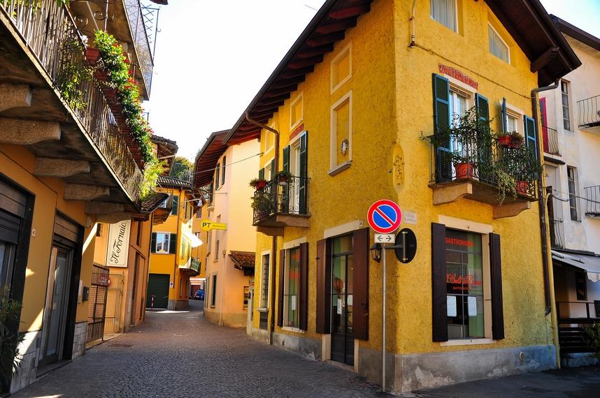 Стреса, Италия