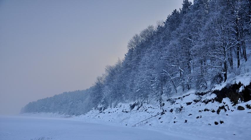 язовир Искър в лед