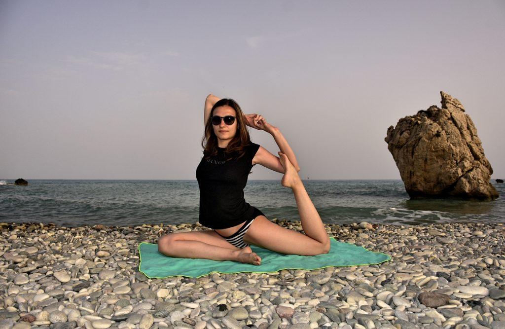 йога на плажа